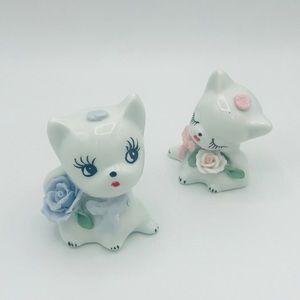 Nostalgic 1960s style ceramic cat set w/flower